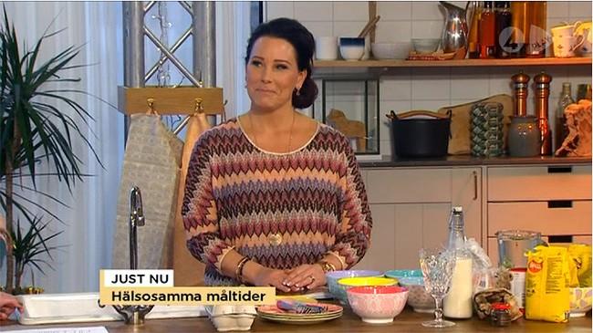 Åse visar Hälsosamma Måltider på TV4 Nyhetsmorgon och serverar i produkter från inreda.com