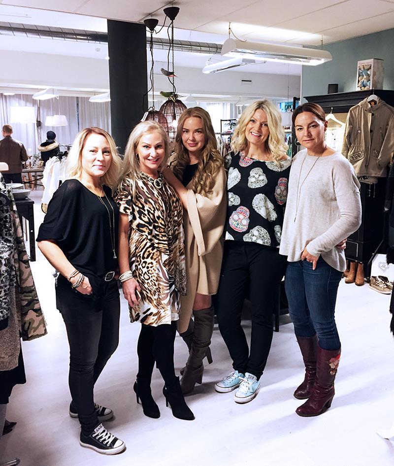 img_0210-shoproom