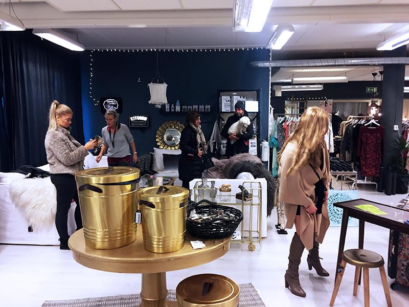 img_0214-shoproom